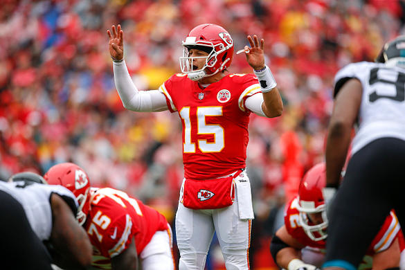 Patrick Mahomes holds his own against Tom Brady and the Patriots