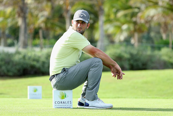 Dunne co-leads as Romo struggles in Punta Cana