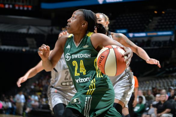 DFS WNBA Playbook & FanDuel Optimal Lineups: June 18