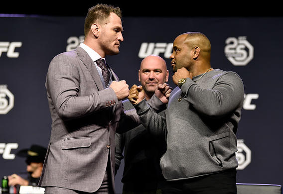 MMA DFS Playbook: UFC 226 – Miocic vs Cormier