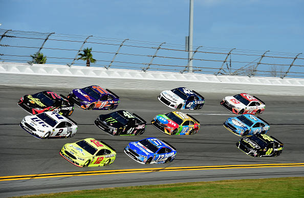 2019  DFS NASCAR: The Clash Optimal Lineups (FREE PREVIEW)
