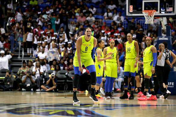 WNBA DFS Offseason News: Liz Cambage Trade