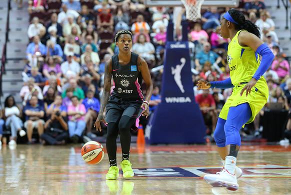 WNBA DFS Playbook & Example Lineups: August 23